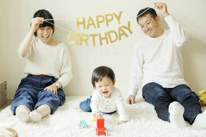 1歳,1歳記念写真,家族写真