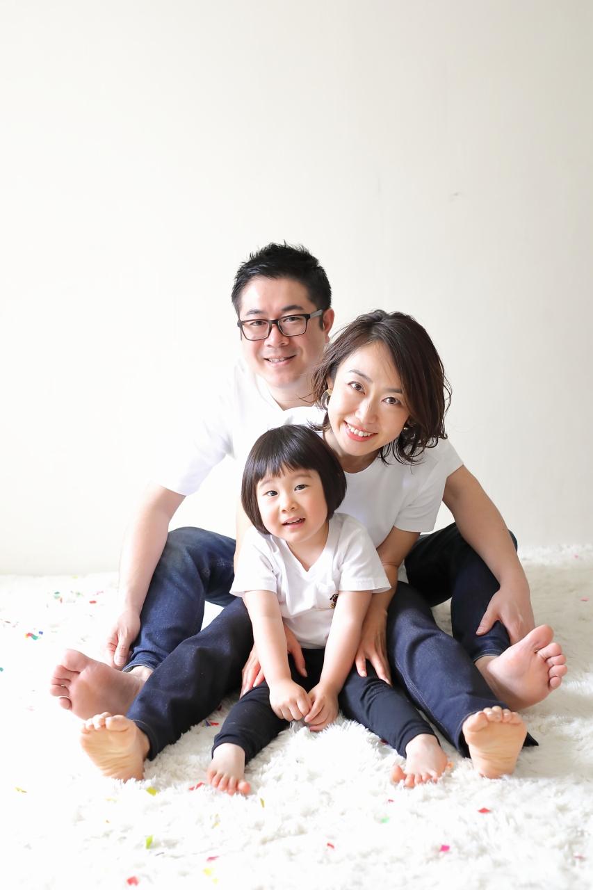 家族撮影,東京スタジオ,写真スタジオ,ナチュラル写真スタジオ,かわいい写真,3歳女子