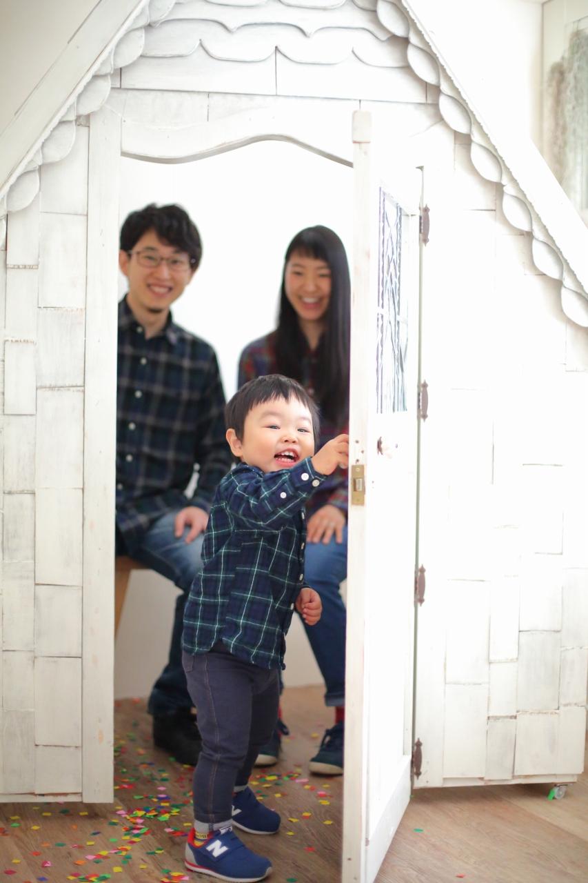 2歳男の子,2歳記念撮影,2歳記念写真,家族写真,家族撮影2歳男の子,2歳記念撮影,2歳記念写真,家族写真,家族撮影