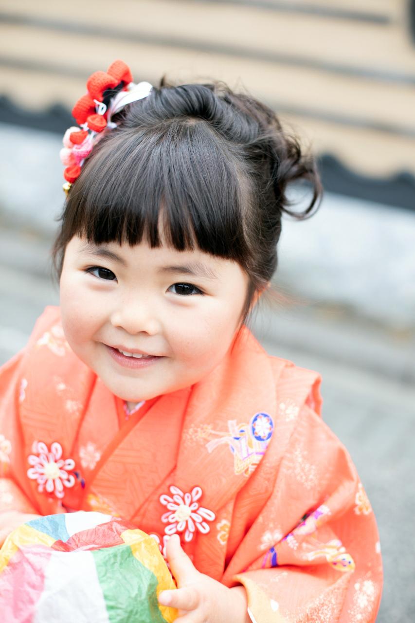 笑顔がかわいい。3歳七五三出張撮影。