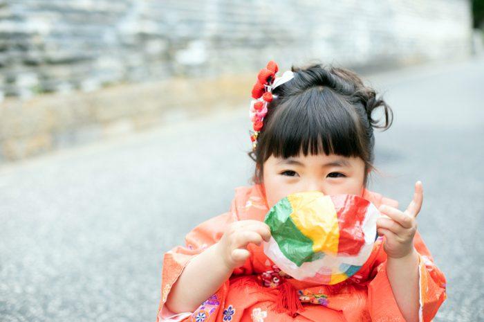 おすすめ小物の紙風船と。三歳七五三出張撮影。