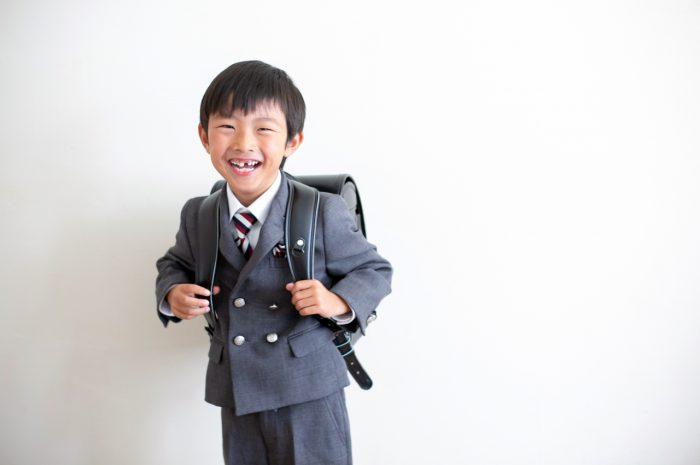 スタジオでの小学校入学記念撮影