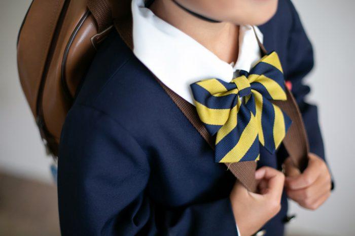 幼稚園の制服でスタジオで卒園写真3