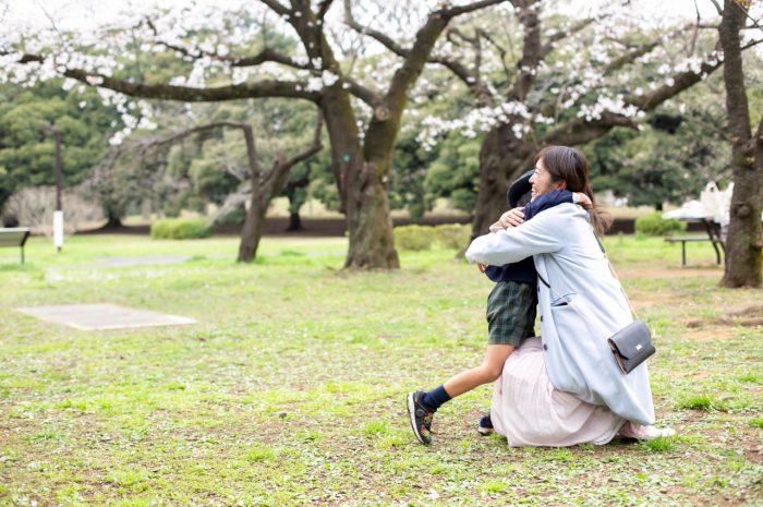 代々木公園で家族一緒に入学記念写真13