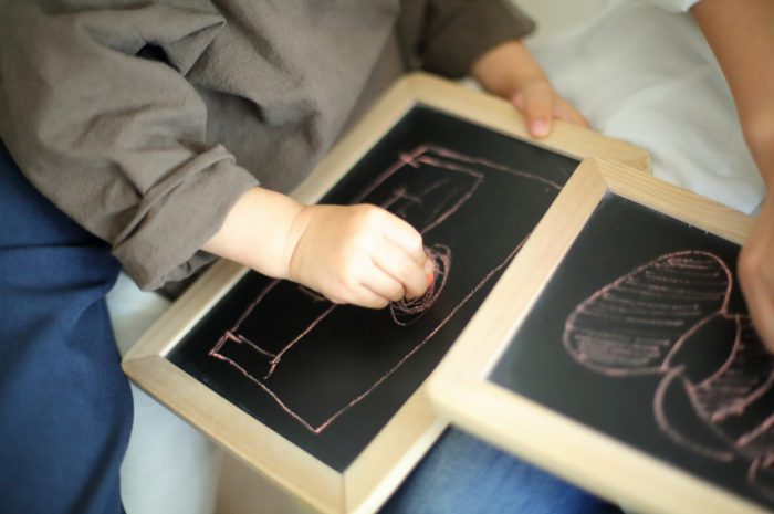 3歳男の子の七五三撮影,お絵かき撮影も楽しい