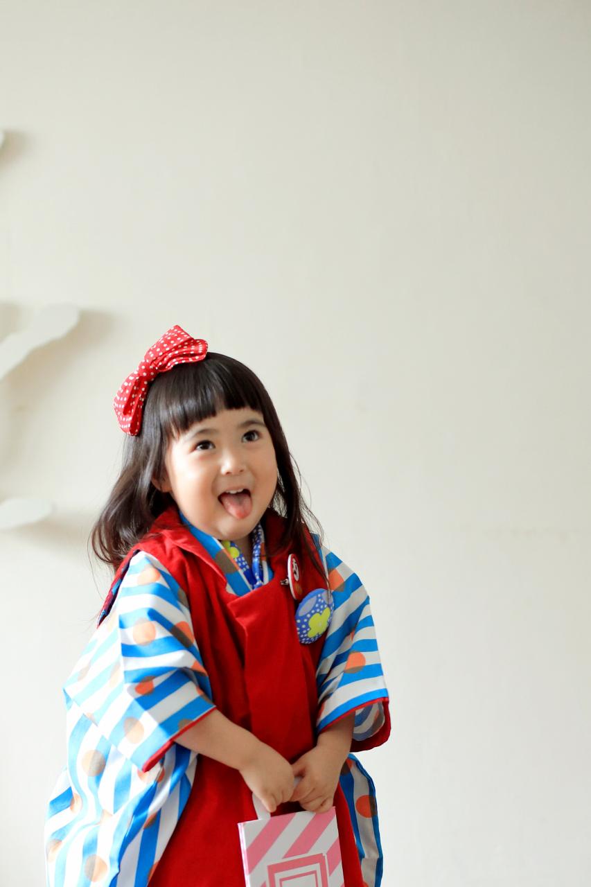 3歳女の子七五三撮影,1歳の妹と一緒に。おちゃらけ顔も愛おしい