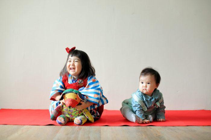 3歳女の子七五三撮影,1歳の妹と一緒に。いい笑顔