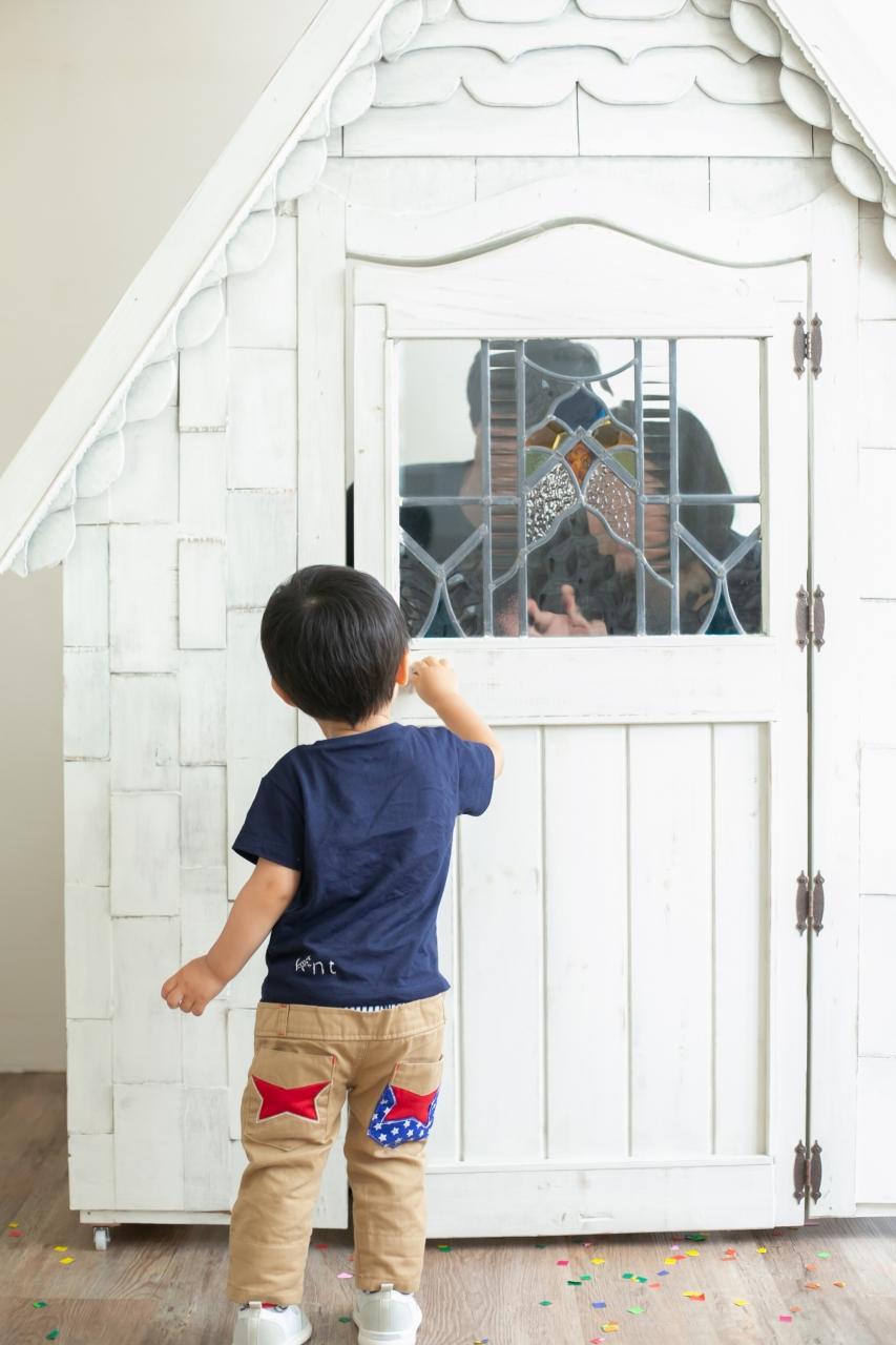 2歳男の子と一緒の家族撮影。親子リンクコーデが素敵です