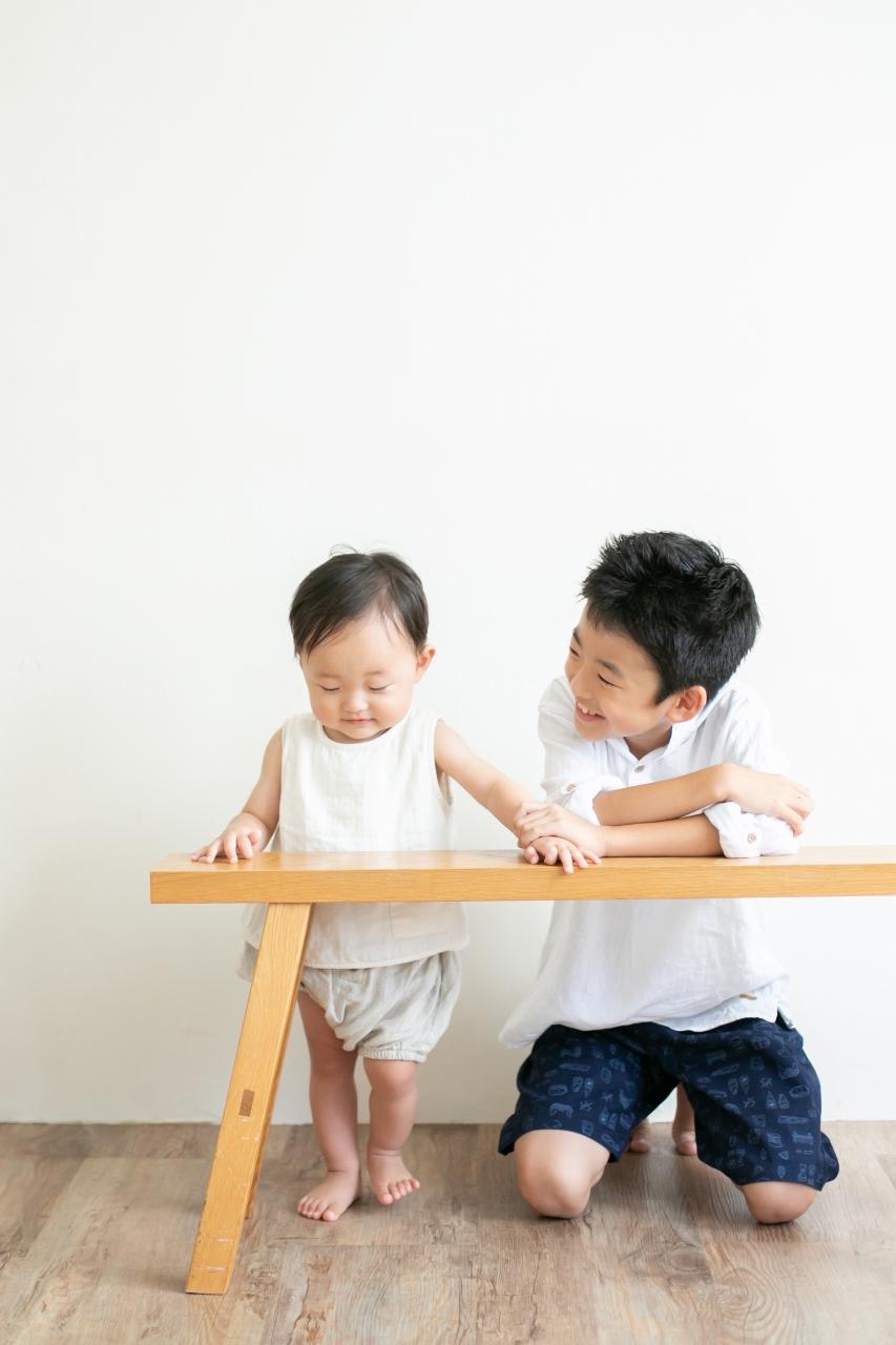 10歳と1歳の兄弟記念撮影,ハーフ成人式記念撮影,優しいお兄ちゃん