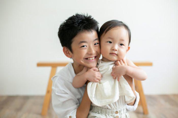 10歳と1歳の兄弟記念撮影,ハーフ成人式記念撮影,仲良し兄弟