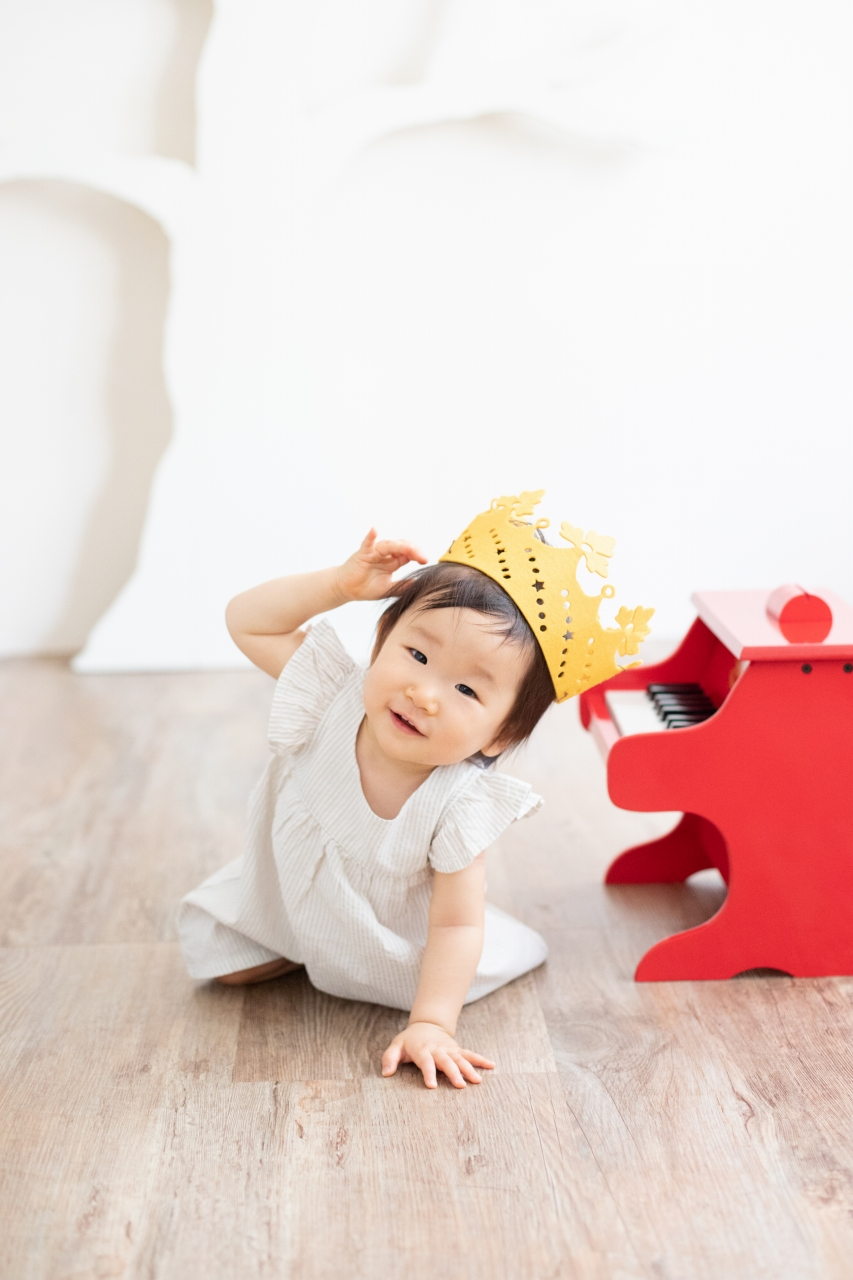 1歳女の子誕生日記念撮影,3人家族,家族写真,今日の主役