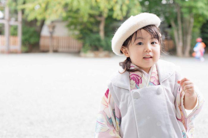 伊勢山皇大神宮で七五三出張撮影,3歳七五三,ベレー帽姿