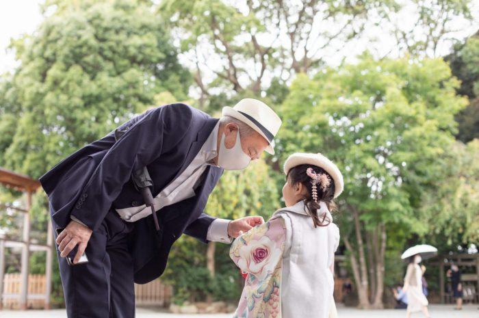 伊勢山皇大神宮で七五三出張撮影,3歳七五三,おじいちゃんと孫