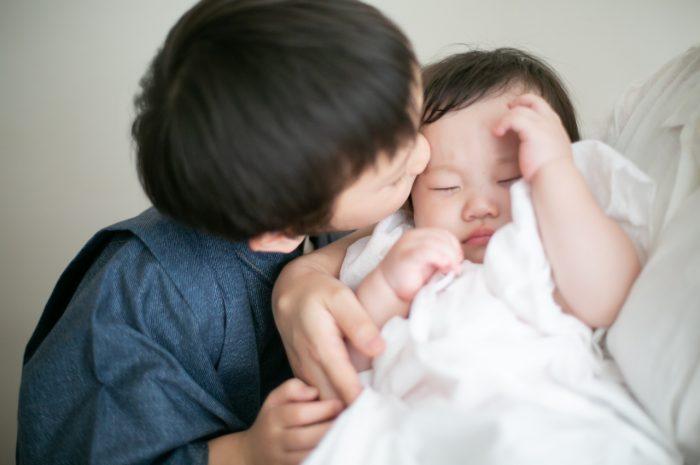 5歳七五三ともうすぐ1歳の兄妹撮影,家族撮影,家族写真,東京スタジオ,妹大好き