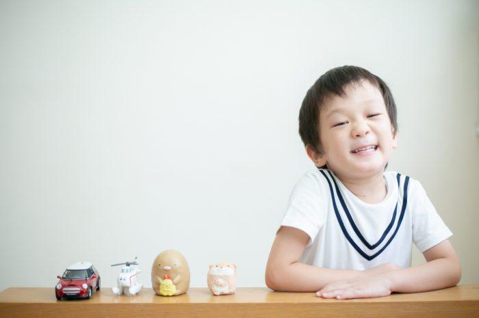 5歳七五三ともうすぐ1歳の兄妹撮影,家族撮影,家族写真,東京スタジオ,好きなものと一緒に