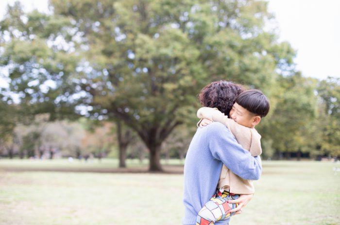 5歳男の子,家族撮影,ママとぎゅ!