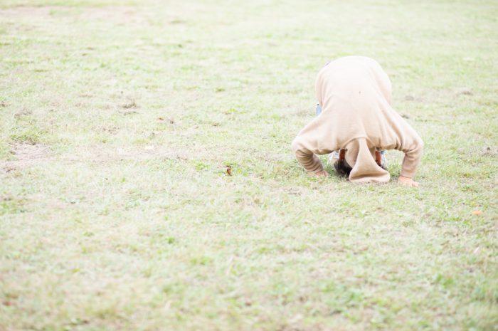 5歳男の子,家族撮影,芝生