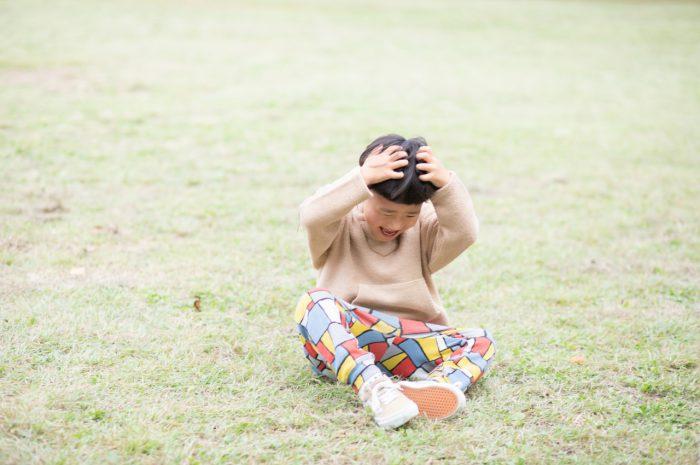 5歳男の子,家族撮影,でんぐり返し