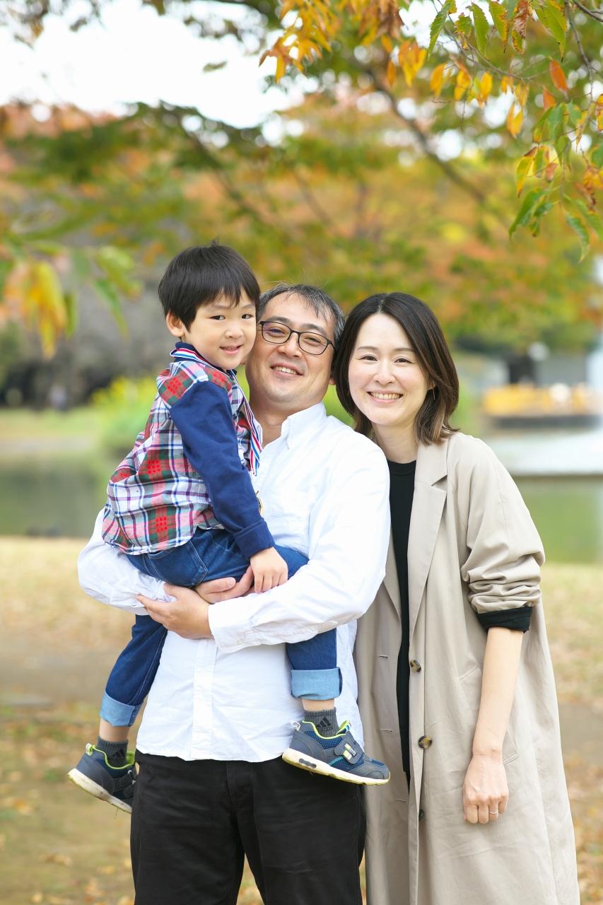 代々木公園家族写真撮影,4歳男の子誕生日記念撮影,3人家族