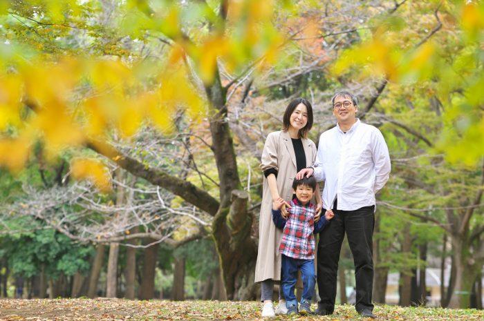 代々木公園家族写真撮影,4歳男の子誕生日記念撮影,紅葉