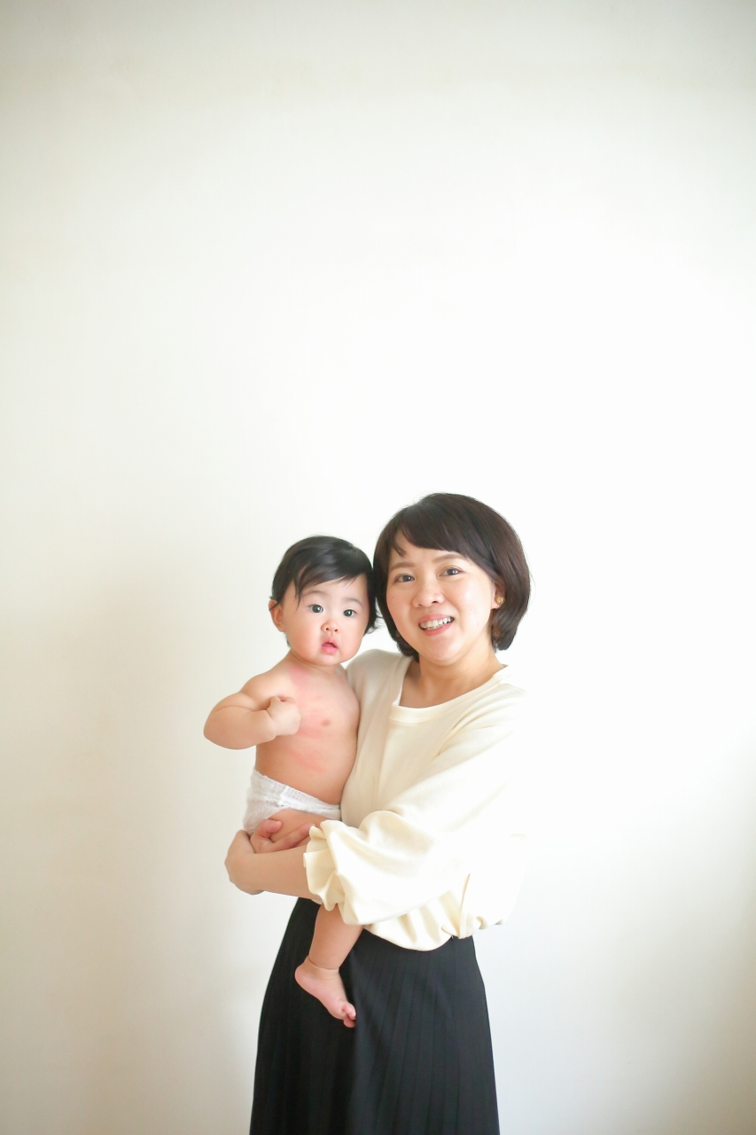 1歳女の子誕生日記念撮影,ママと