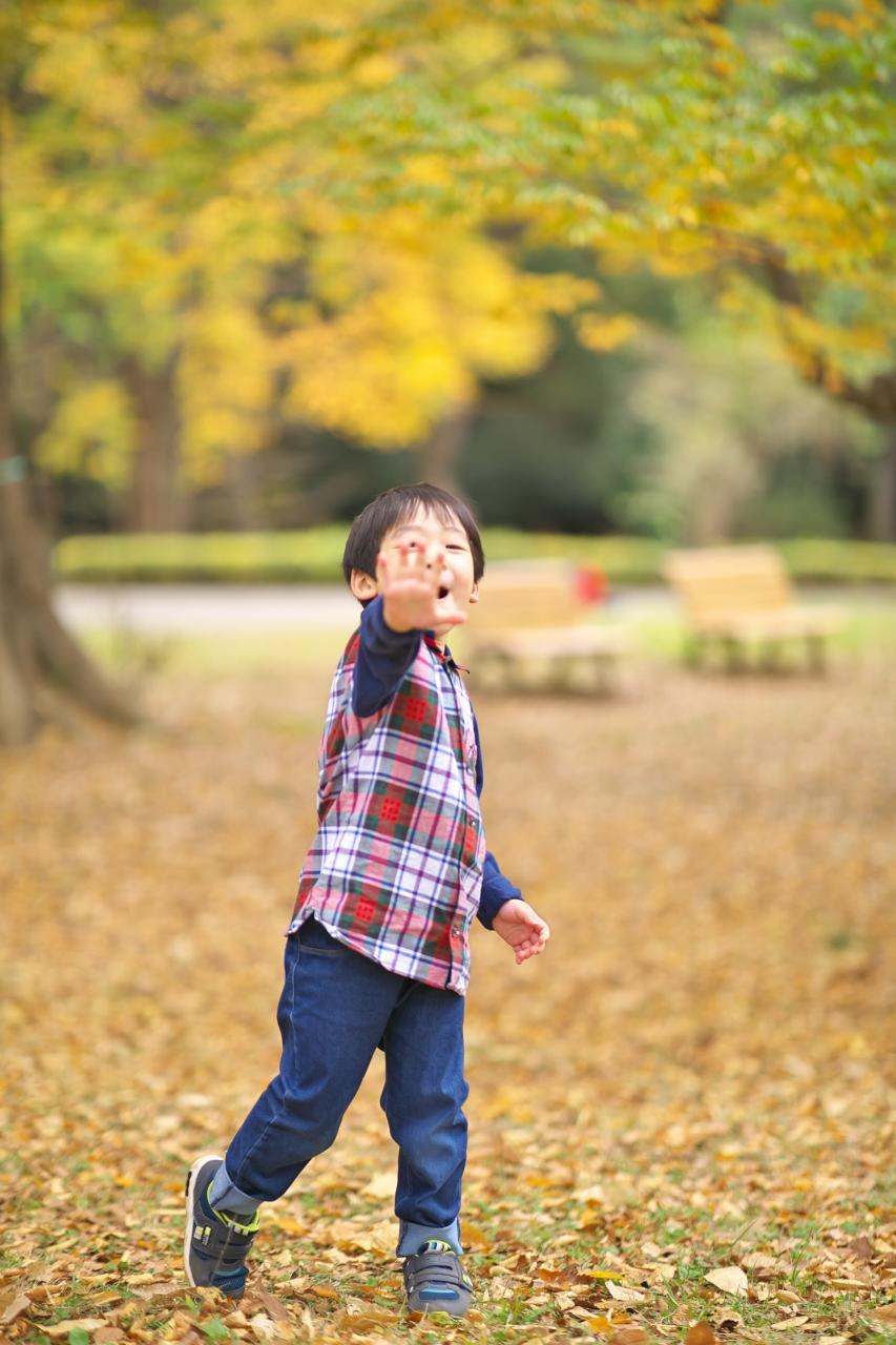 代々木公園家族写真撮影,4歳男の子誕生日記念撮影,元気いっぱい
