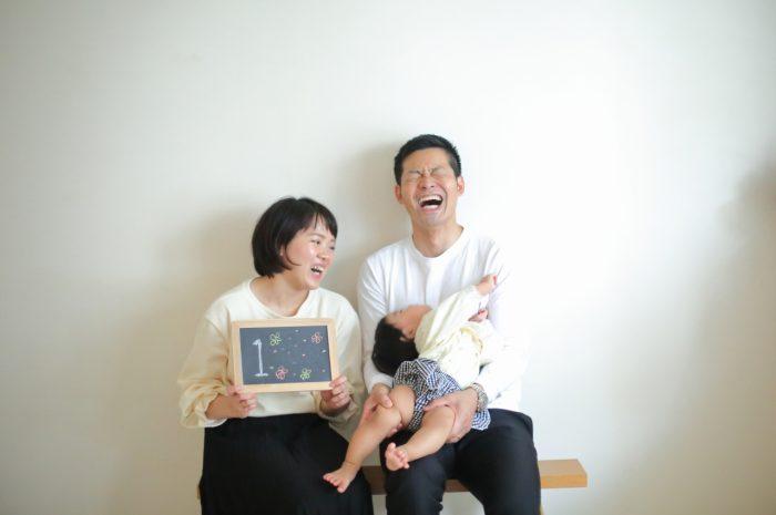 1歳女の子誕生日記念撮影,3人家族