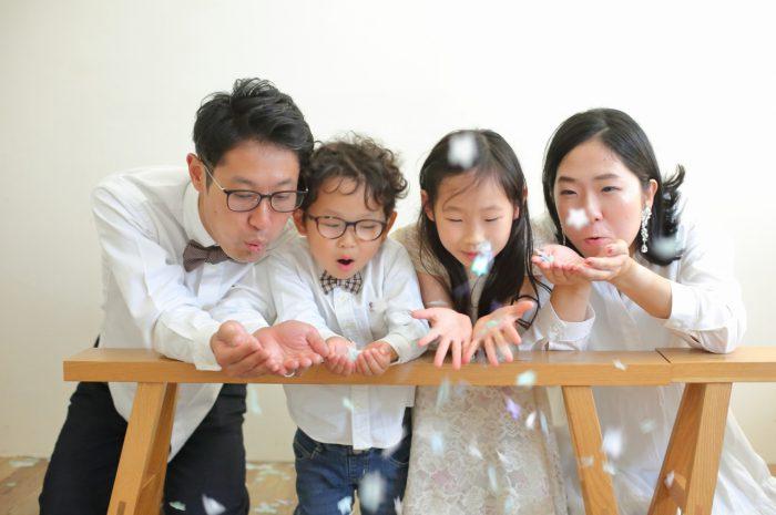 結婚10周年記念,家族写真撮影,紙吹雪