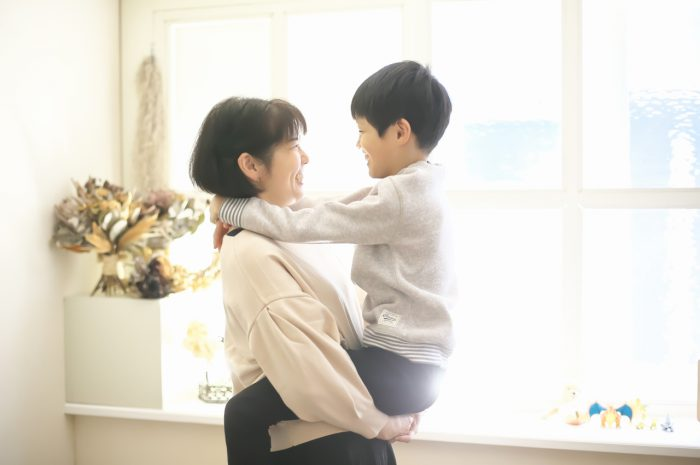 8歳男の子記念撮影,スタジオ,渋谷スタジオ,富ヶ谷スタジオ,抱っこ,いつまでできるかな~?