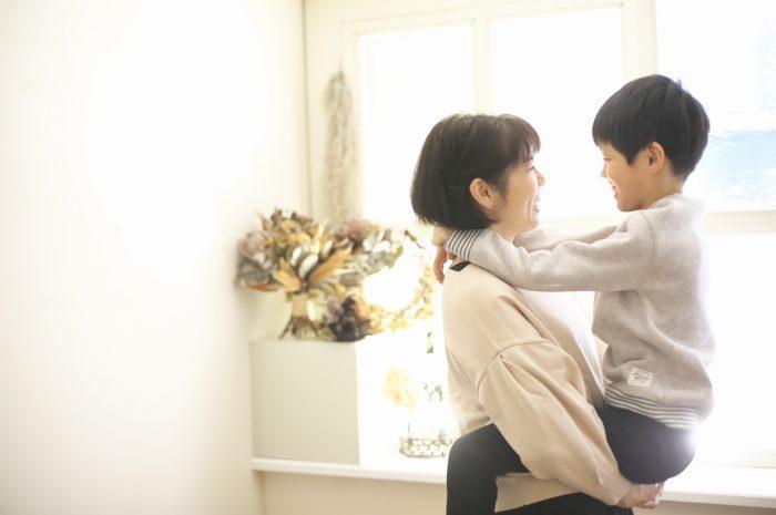 8歳男の子記念撮影,スタジオ,渋谷スタジオ,富ヶ谷スタジオ,抱っこ