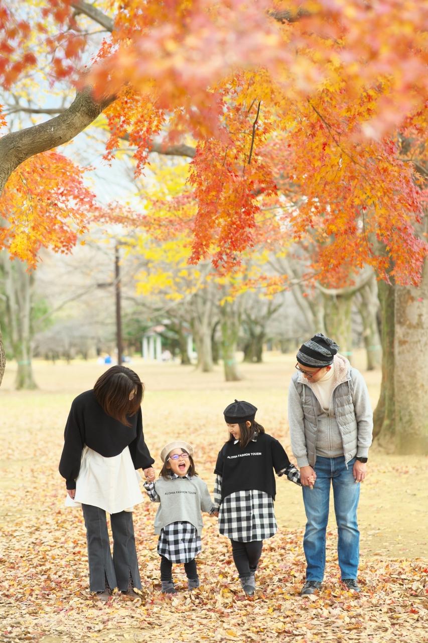 秋の家族写真,ロケーションフォト,ロケフォト,4人家族
