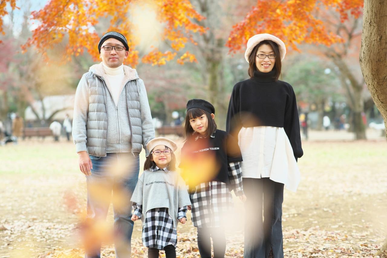 秋の家族写真,ロケーションフォト,フェルト帽コーデ,姉妹リンクコーデ撮影