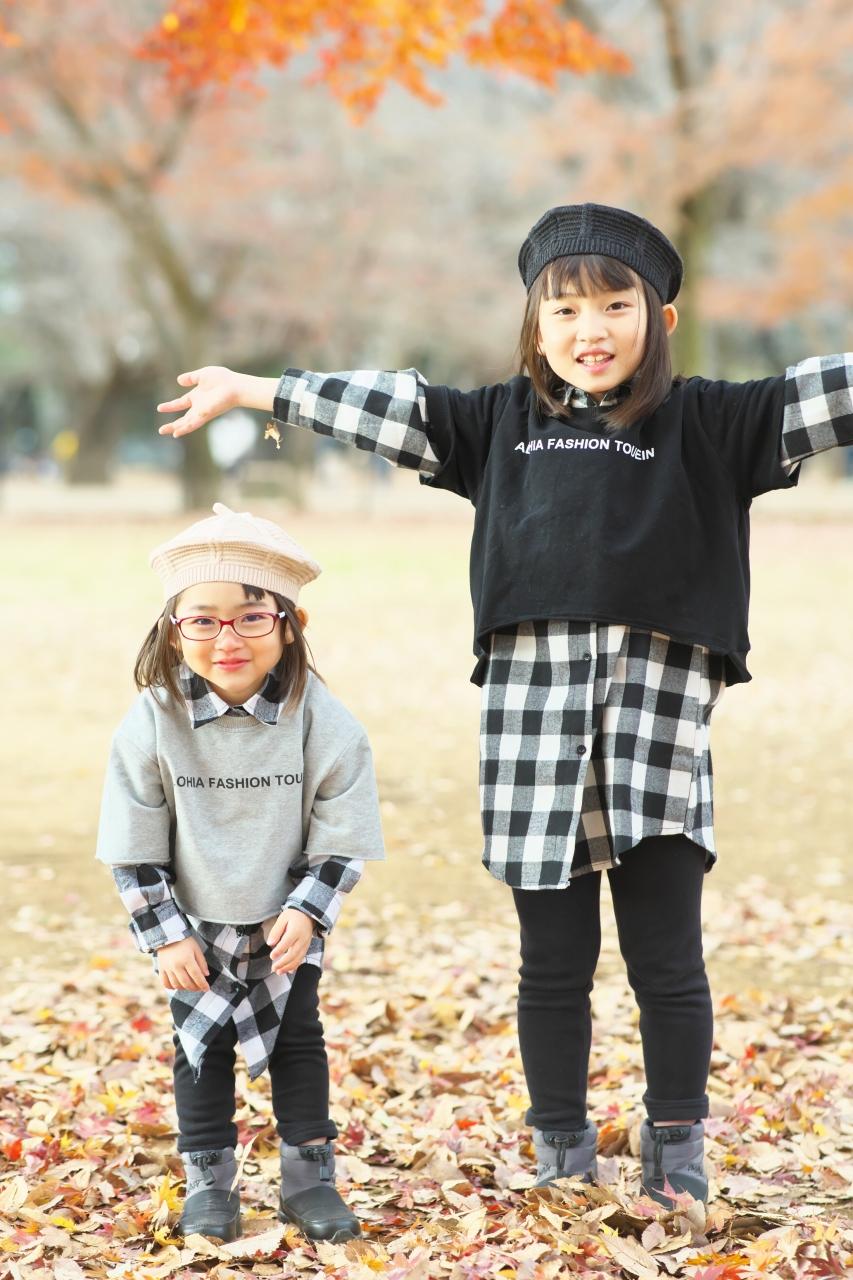 秋の家族写真,ロケーションフォト,フェルト帽コーデ,姉妹リンクコーデ
