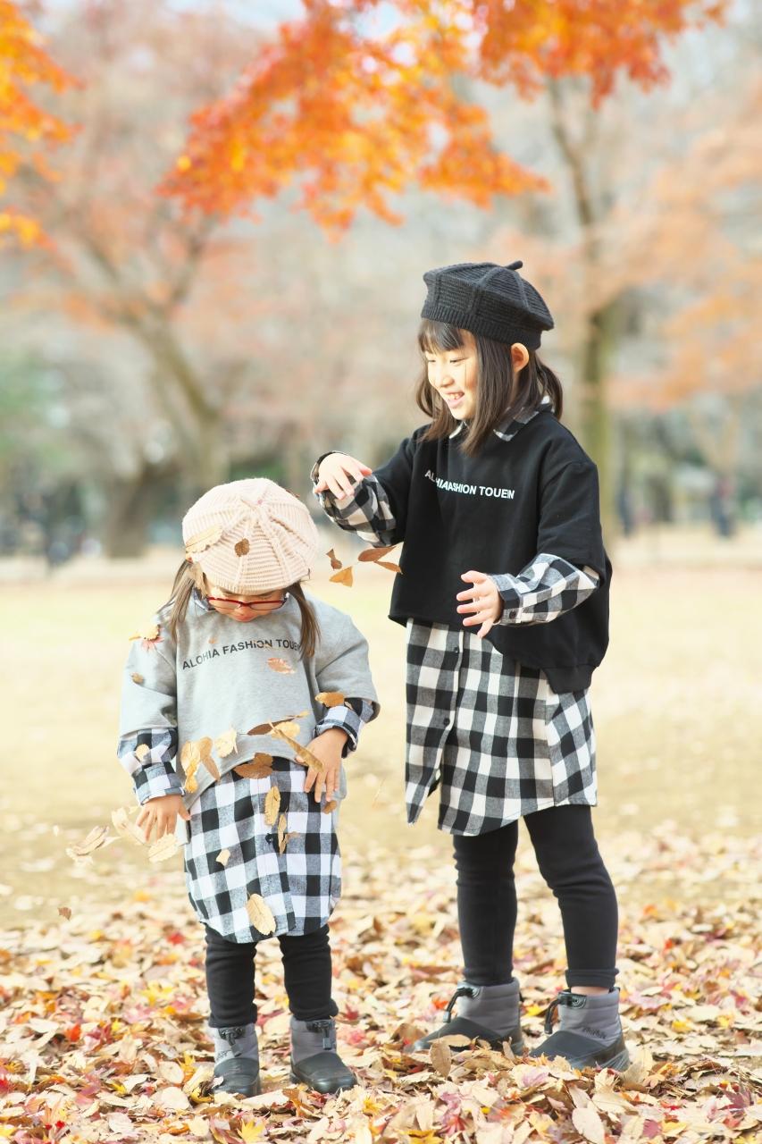 秋の家族写真,ロケーションフォト,フェルト帽コーデ,リンクコーデ
