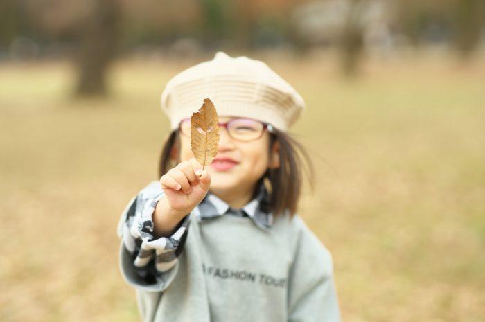 秋の家族写真,ロケーションフォト,フェルト帽