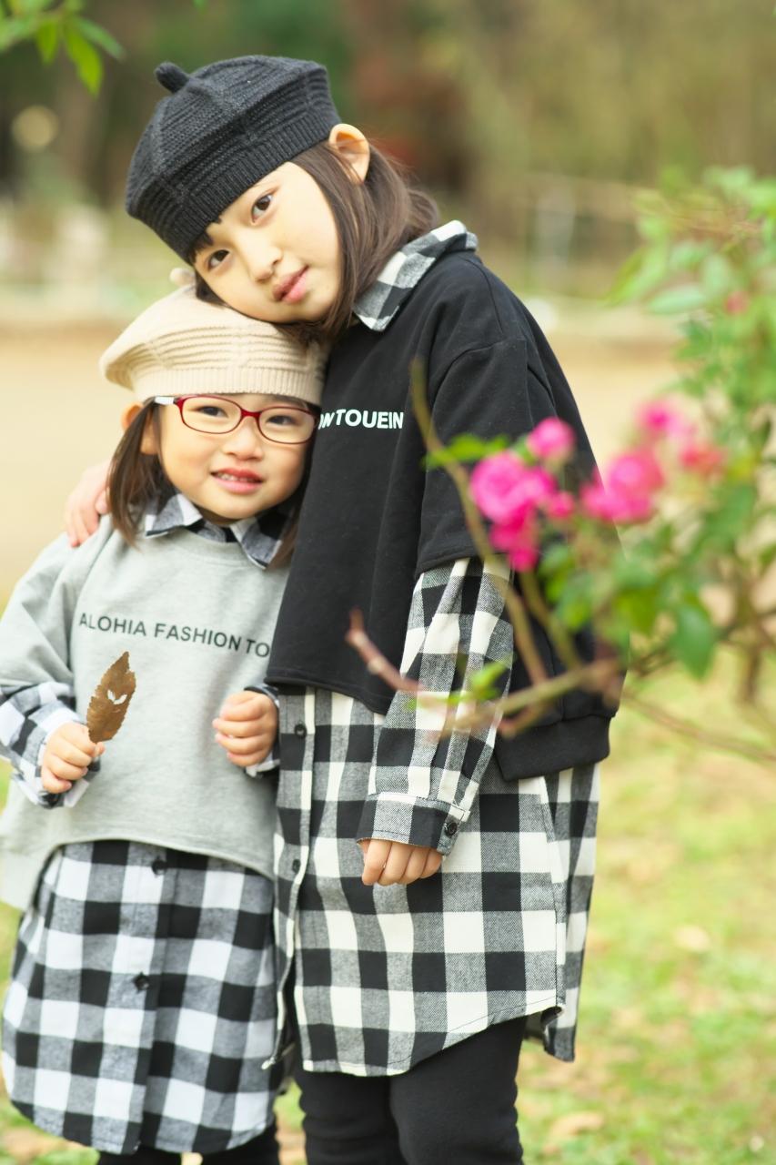 秋の家族写真,ロケーションフォト,仲良し姉妹