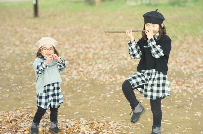 秋の家族写真,ロケーションフォト,ロケフォト,4人家族,眼鏡が可愛い,仲良し家族,姉妹フォト