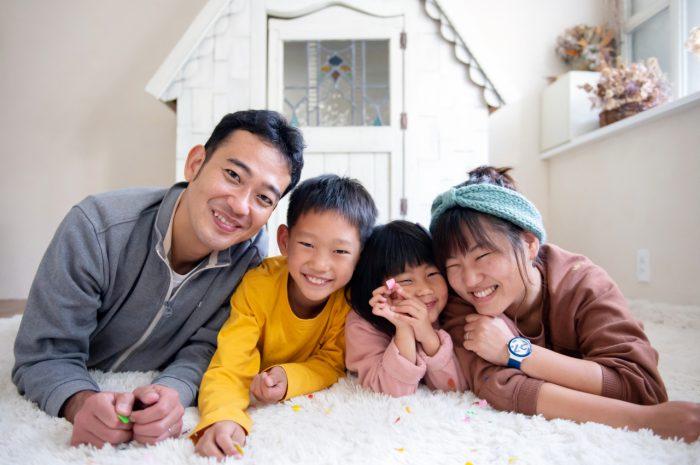 家族写真撮影,渋谷スタジオ,寝ころんで