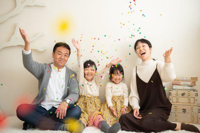 家族写真,渋谷スタジオ撮影,仲良し撮影,仲良し家族,紙吹雪