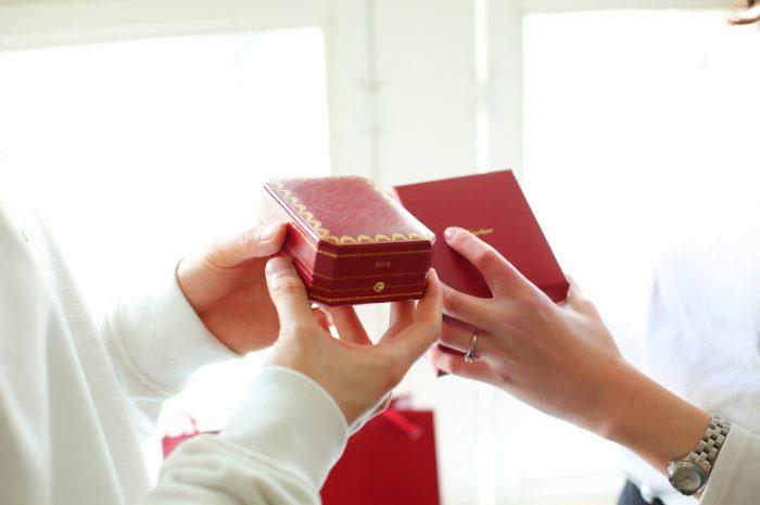 スタジオ撮影,カルティエ指輪,婚約指輪,結婚指輪,プロポーズ