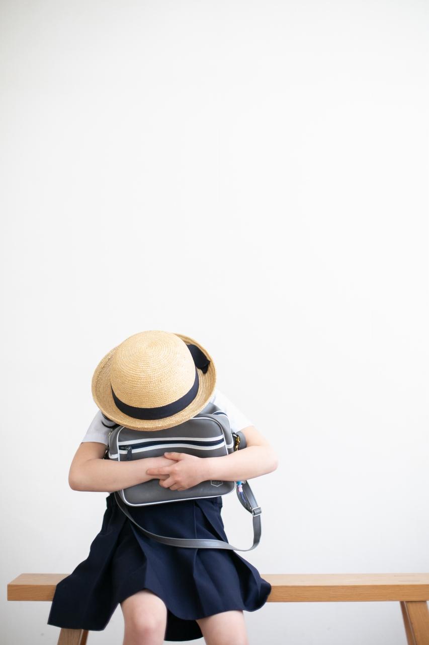 卒園記念写真,スタジオ撮影,幼稚園制服,夏服,麦わら帽子,かばん