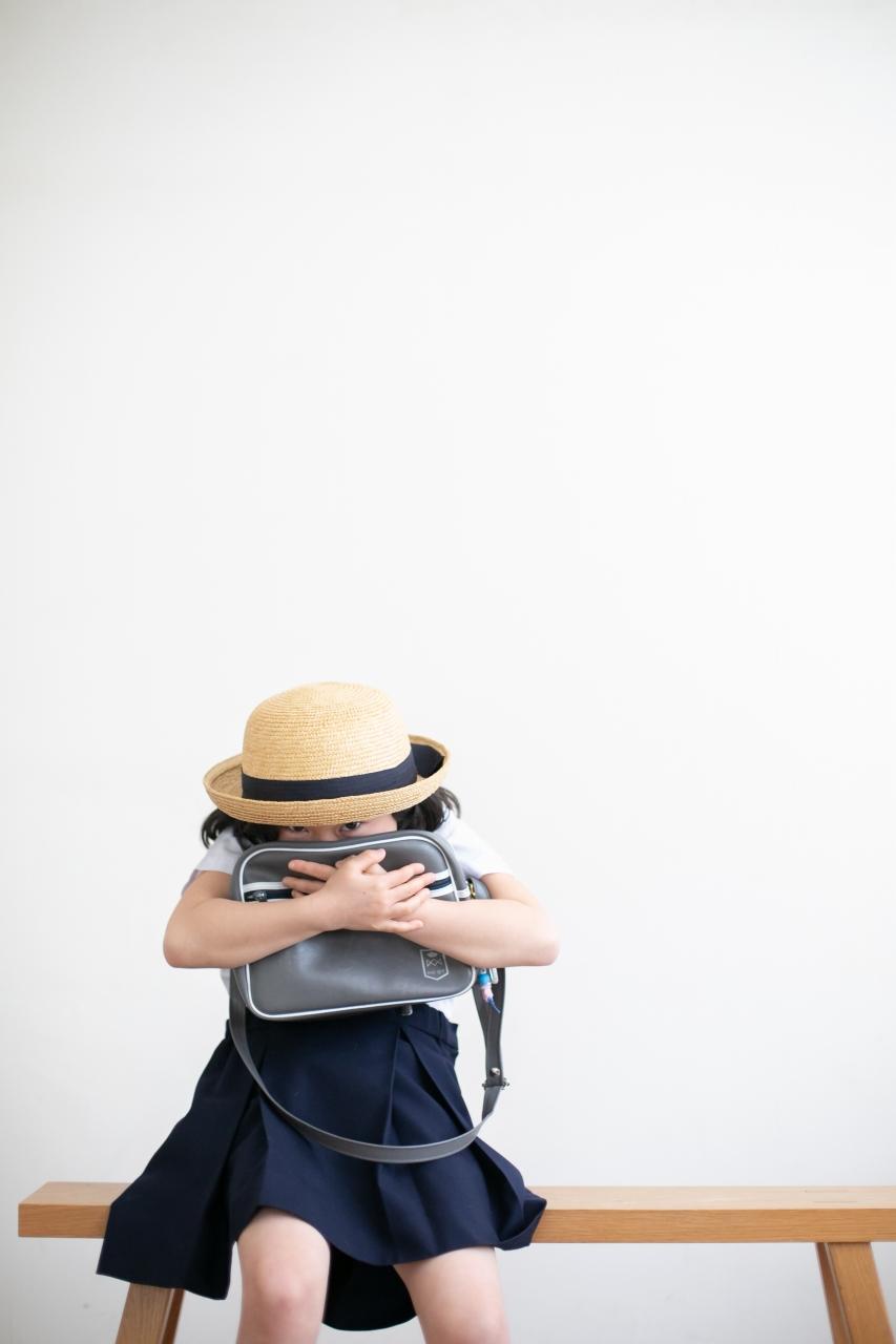 卒園記念写真,スタジオ撮影,幼稚園制服,夏服,麦わら帽子