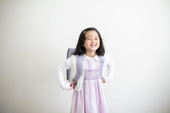 小学校入学記念写真,ランドセル撮影,6歳,紫色のランドセル,薄紫色のランドセル,ランドセル