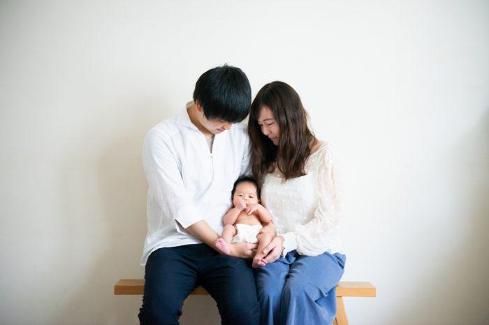 ニューボーンフォト,生後1か月,3人家族