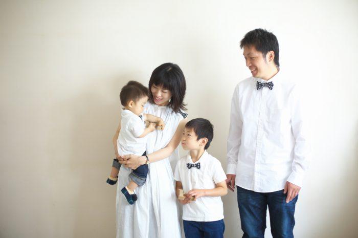 4人家族,写真撮影,家族写真,撮影,スタジオ撮影,渋谷スタジオ,富ヶ谷スタジオ撮影,スタジオ撮ろうよ