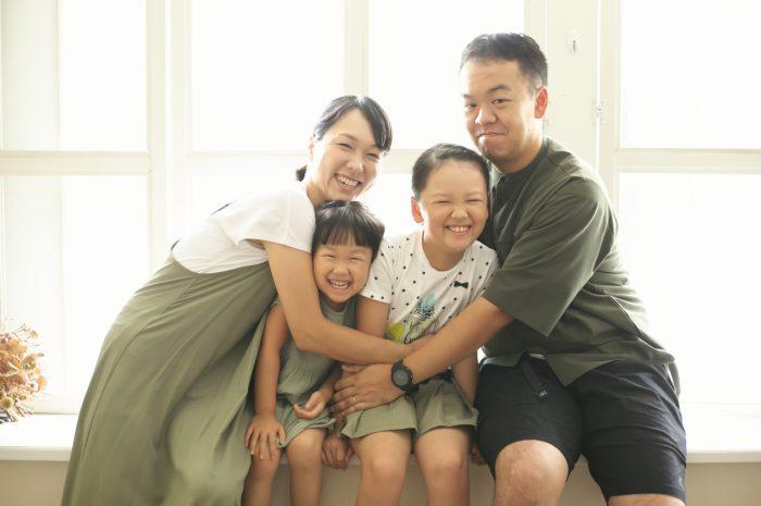 姉妹撮影,スタジオ,窓際,家族写真撮影