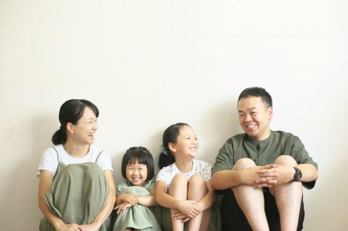 家族写真,4人家族,仲良し家族,恒例の家族写真