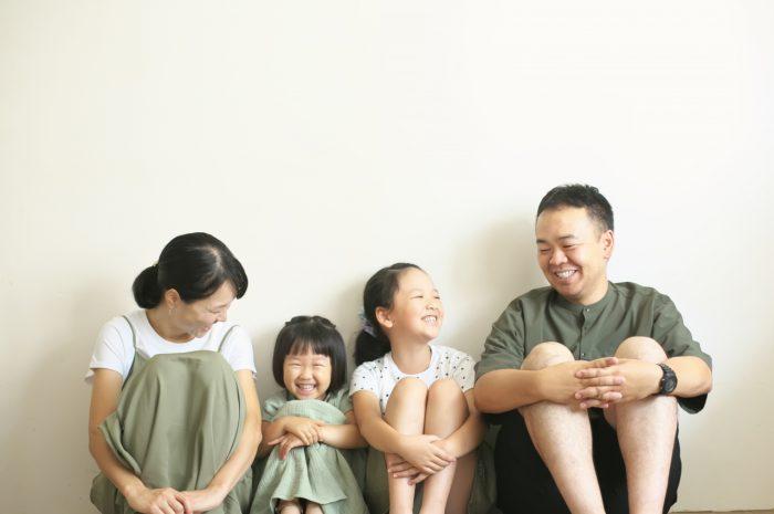家族写真,4人家族,仲良し家族